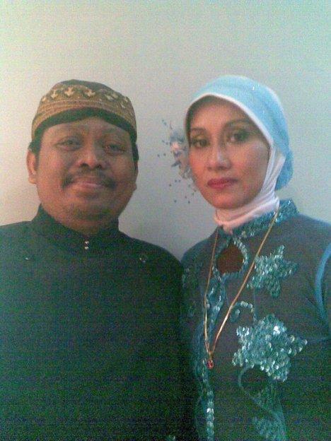 mbak Sri Murni dan Suami