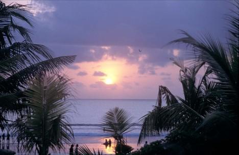 C gambar_sunset_Pantai_Kute